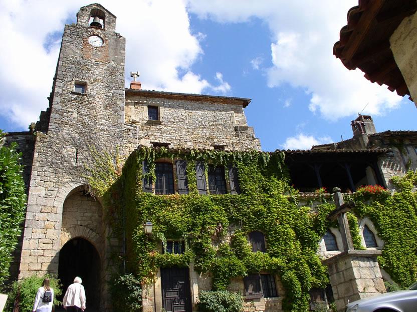 Bruniquel Tarn et Garonne location vacances hameaux des Lacs