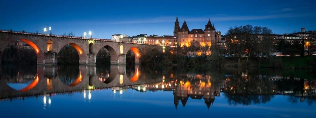 promotions-location-vacances-piscine-Tarn-estivale-Garonne-Albi-Toulouse-hameaux-des-lacs-terres-de-france-chalets-petits-prix-pas-cher-proche Toulouse