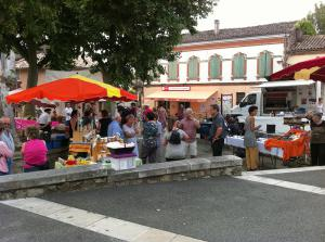 Marché_Monclar_de_Quercy Leisure and Activities – South of France, Occitania Region, nearby Toulouse, Occitania Region