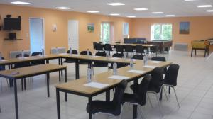 SALLE_1 (1) Innovate with Green Seminars To the 3 Monclar lakes – Holiday Resort, nearby Toulouse, Occitania Region